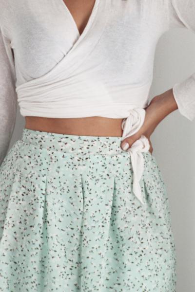 Ψηλόμεσο φλοράλ shorts