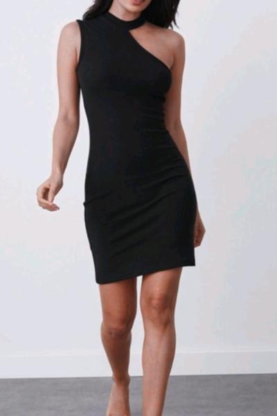 Φόρεμα Ένας Ώμος Μαύρο